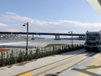 A First from Alstom in Turkey! Tramvaj Eminönü Alibeyköy bere energii ze země