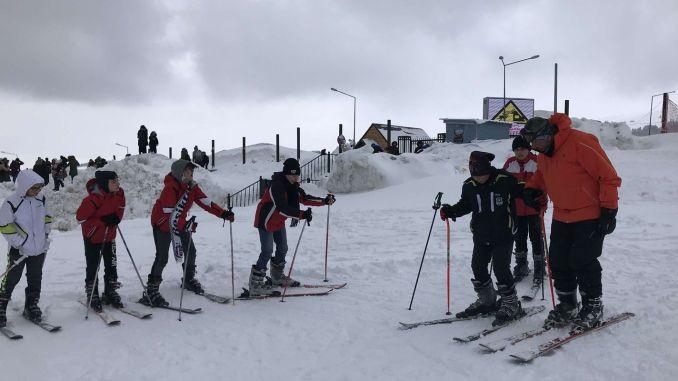 Ski and snowboard activities start in Uludag