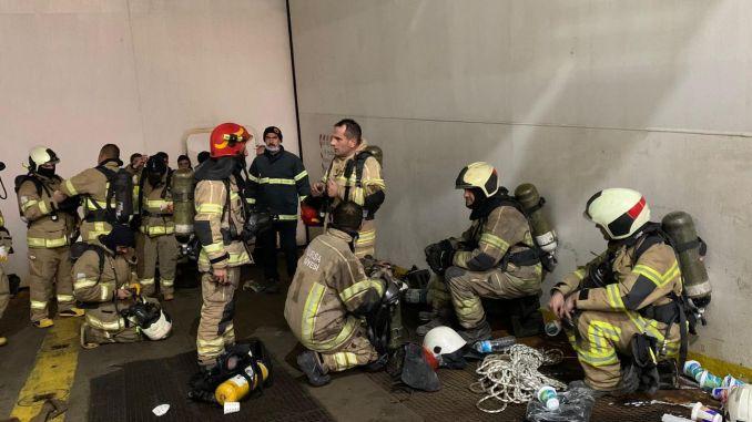 Ang Bursa Fire Department Nagtubag sa Fire Fire sa Canakkale Openings