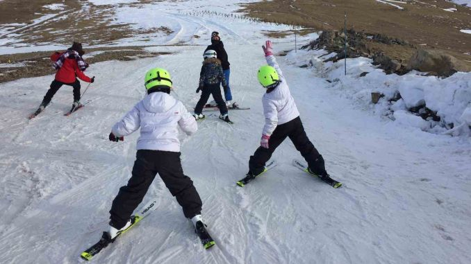 Children in the Army Will Meet Skiing