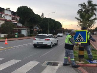 Traffic signs are handled one by one in Alanya