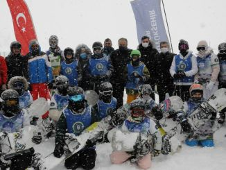 Ski and snowboard excitement for children in uludag