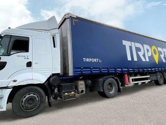 Камиони чекају да се дан окрене