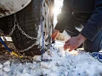 What is a snow chain? What is it? Is snow chain necessary? How to install a snow chain?