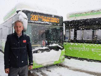 להגיע לעזרת אזרחים שנתקעו על הכביש בקוקאלי, אוטובוס הפארק גדל