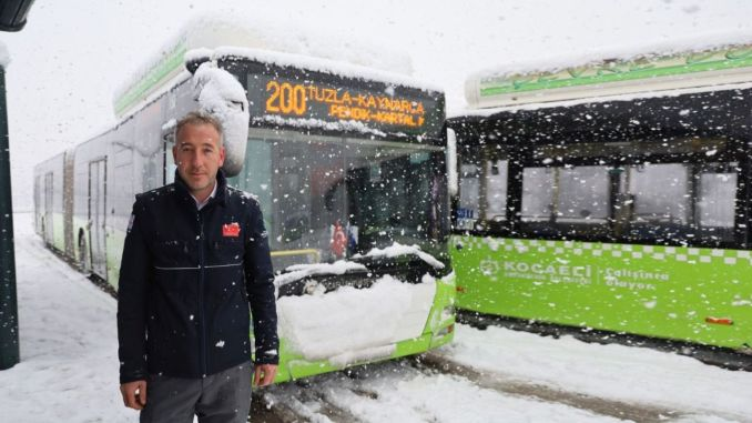 reach the help of citizens who are stuck on the road in Kocaeli, park bus has grown