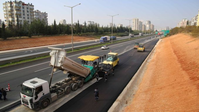 Intensive work in turkmenbasi boulevard highway connections