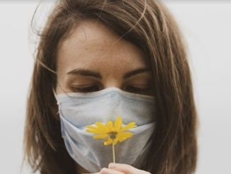 allergic rhinitis eye allergy and pollen may increase the risk of coronavirus transmission