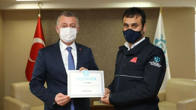 The hero driver of Kocaeli Transportation Park, Emre Kaya, thanks to the president