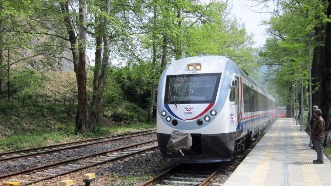 Karabuk Zonguldak train services were canceled on the weekend due to restrictions