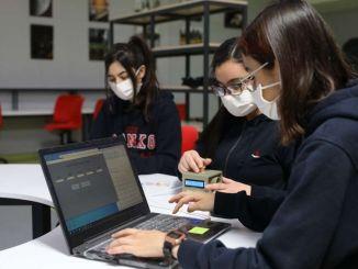 سانکو اسکولوں کے طلبا کورون وائرس حسی ٹیسٹ ٹیوائس تیار کرتے ہیں