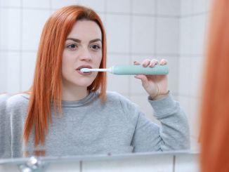 Efectos del cepillado incorrecto de los dientes sobre el desgaste de los dientes