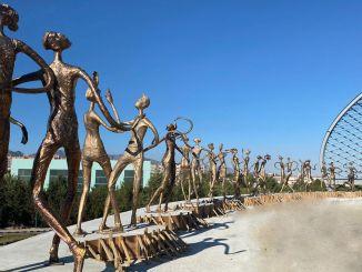 التمثال البرونزي الذي يرمز للدولة التركية معروض