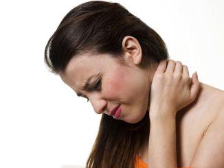 Patienten mit Halshernie und Halsverkalkung, die auf Gefahr warten