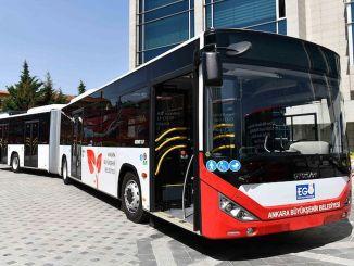 kapitalistai po metų gauna naują autobusą