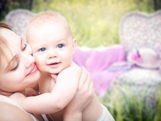 Susisiekite su kūdikiu nuo odos iki odos