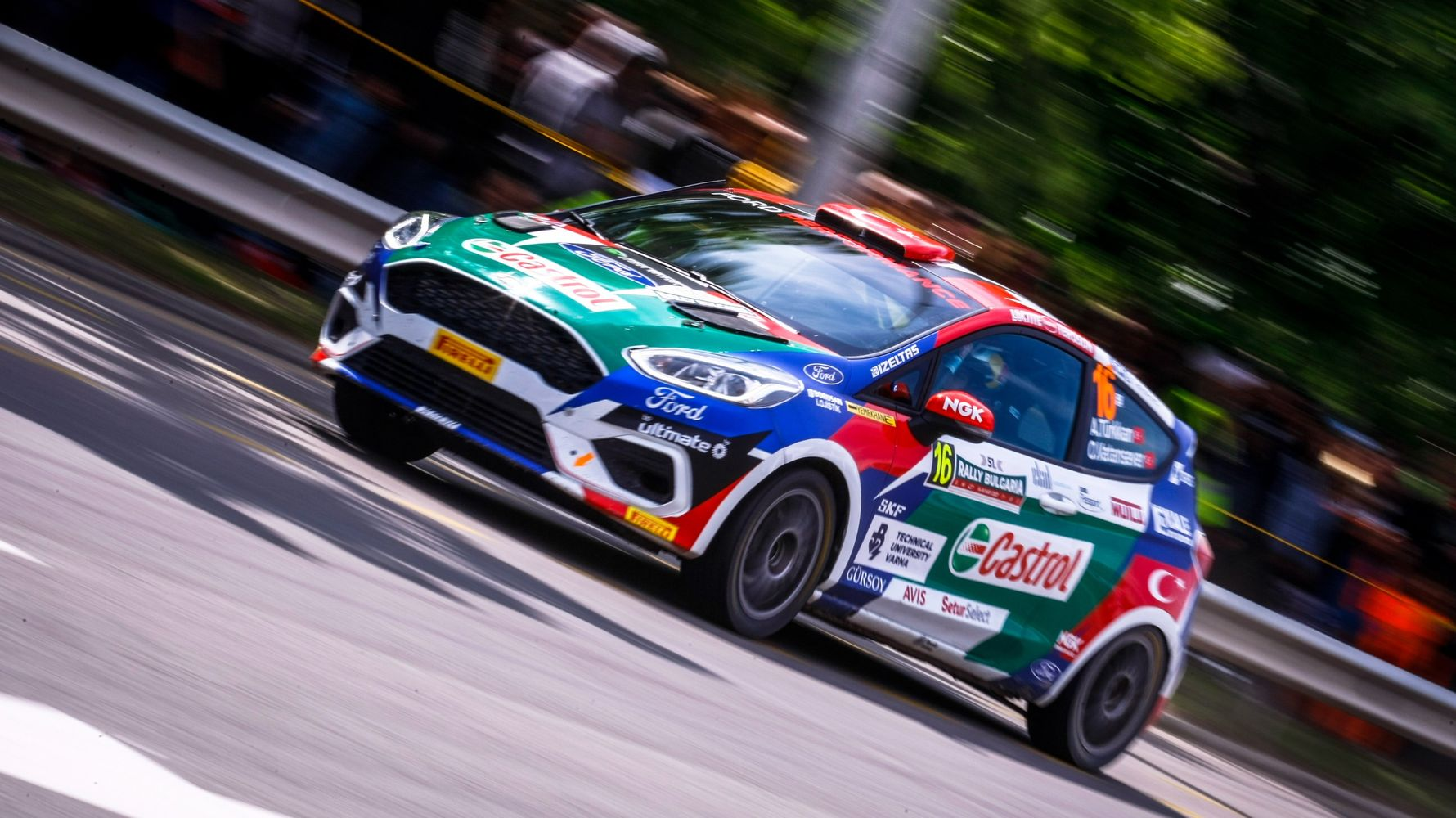 castrol ford team won the primacy in bulgaria rally turkey