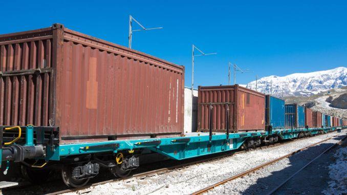 demir yoluyla tasinan bor seramik ve mermer miktari artti