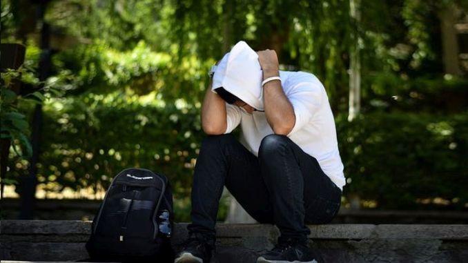 يمكن رؤية فقدان خطير في الدافع في مرحلة المراهقة