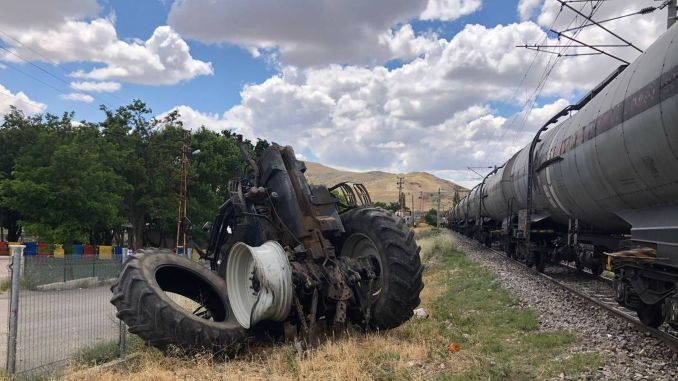freight train in ankara crashed into tractor, injured