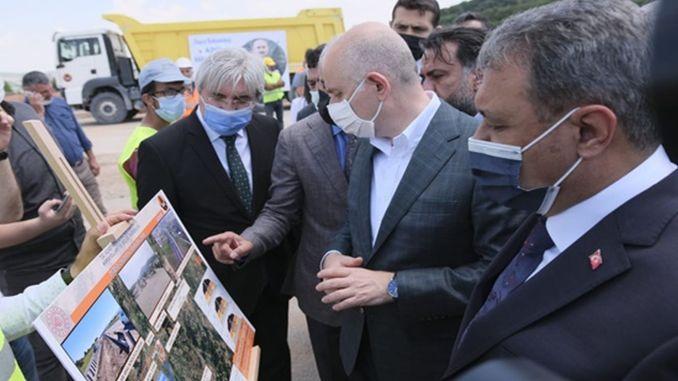 minister karaismailoglu supervised the road construction works in Balıkesir