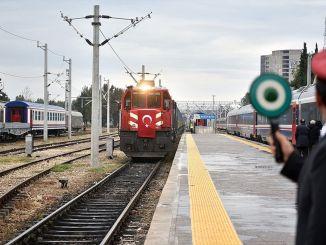 Το φορτίο που μεταφέρθηκε από την απέναντι σιδηροδρομική γραμμή του Μπακού Τιφλίδα υπερέβη τα εκατομμύρια τόνους.