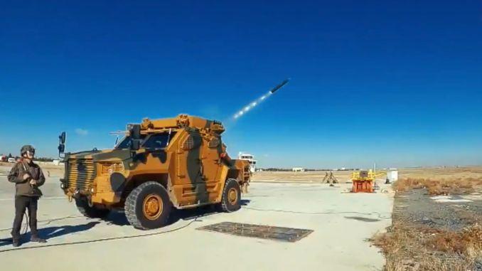 قاذفة صواريخ متعددة الماسورة في مخزون tsk