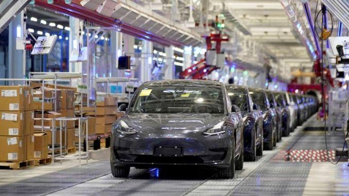 世界の巨大電池メーカーがテスラとの契約を延長