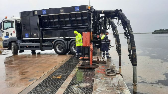 ibb collected a thousand cubic meters of musilage from the sea of marmara a day