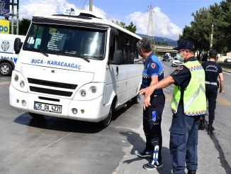 Piratų taksi ir mikroautobusų iš izmiro metropolinės savivaldybės priežiūra