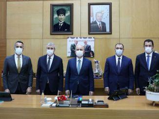 Sakarya-jernbanesystemprojektet blev præsenteret for minister karaismailoglu