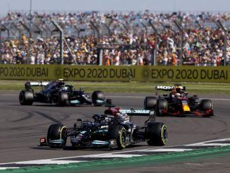 لويس هاميلتون يفوز بسباق الجائزة الكبرى البريطاني