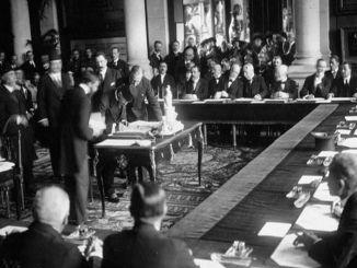 توقيع اتفاقية مضيق مونترو