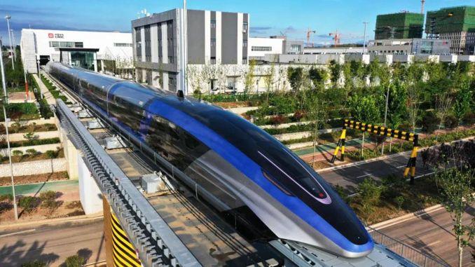 """džinas pristatė traukinį """"Maglev"""", kuris pasiekia kilometrus per valandą"""