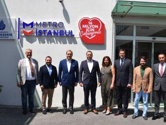 رئيس نادي غلطة سراي الرياضي بوراك إلماس من زيارة مترو اسطنبول