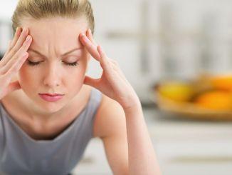 눈 주위의 통증은 편두통의 증상일 수 있습니다.