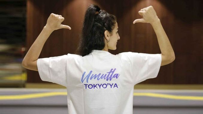Hatice Kubra Ilgun, one of the athletes of the Olympic mothers project, won a bronze medal