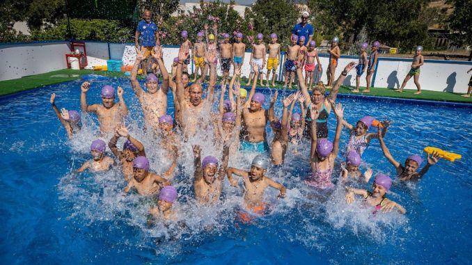 Soyer wird unsere Kinder mit Schwimmbad und Meer zusammenbringen.