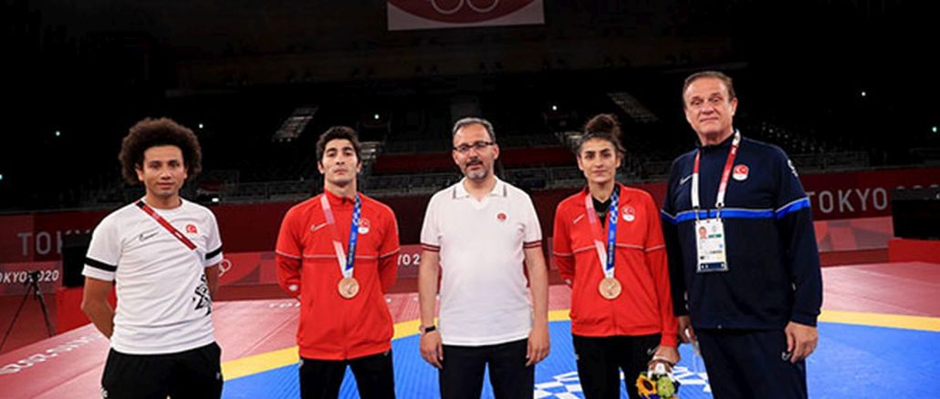 first medal national taekwondo players hatice and hakan in tokyo