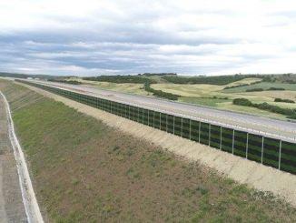 تم بناء حاجز الصوت البيئي على طريق اتصال جسر كاناكالي