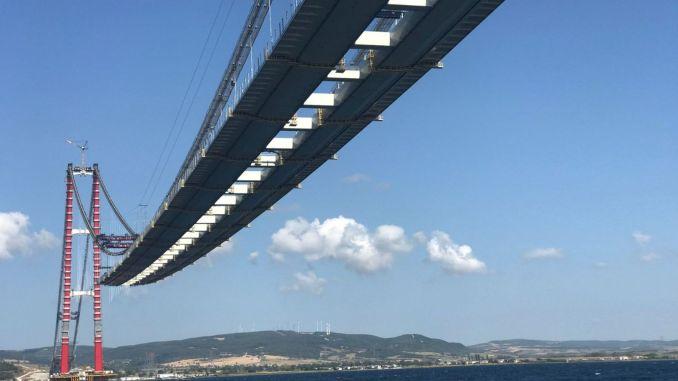 شوهد عبور جسر كاناكالي لأول مرة