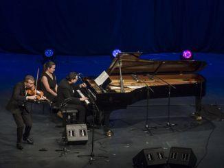 Фазил Саи уз подршку концерта Мерцедес Петрол Воице оф натуре на Истанбулском музичком фестивалу