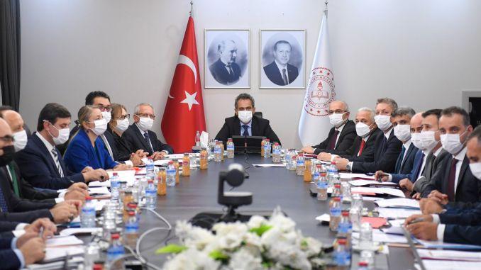 Ministar nacionalnog obrazovanja Özer najavio je novu mapu puta za obrazovanje licem u lice