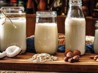 לאחרונה, צריכת חלב צמחים גדלה