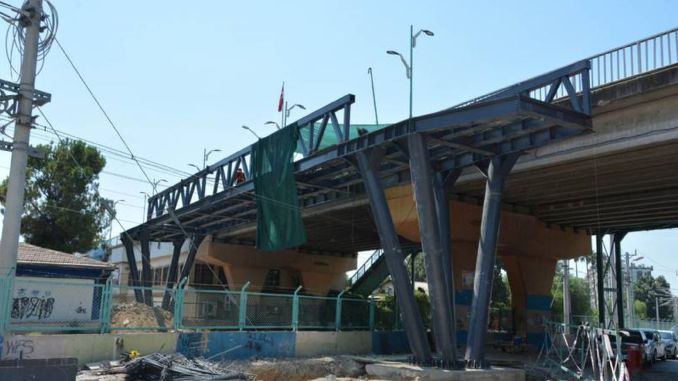 Pedestrian overpass works in tarsus continue at full speed