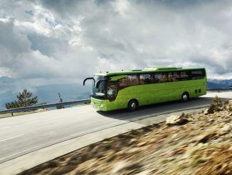 XNUMX 年銷售的每輛梅賽德斯-奔馳巴士都有服務合同。