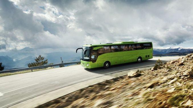 كل حافلة Mercedes-Benz تم بيعها في عام XNUMX لها عقد خدمة.