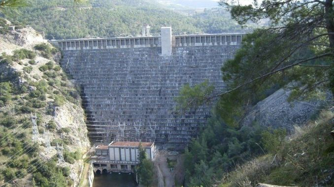 Kemer Dam and Hydroelectric Power Plant Started to Operate