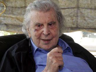 世界著名作曲家米基斯·西奧多拉基斯去世