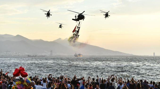 Die Izmir Airshow trug die Begeisterung des Septembers in den Himmel